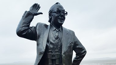 Bring Me Sunshine – The lives and work of Morecambe and Wise