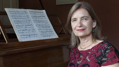 Exploring 20th and 21st century piano music with Penelope Roskell